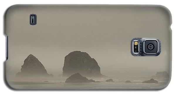 Galaxy S5 Case featuring the photograph Cannon Beach In A Fog Oregon by Yulia Kazansky
