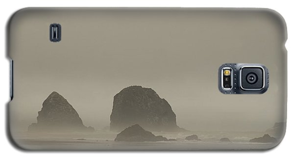 Cannon Beach In A Fog Oregon Galaxy S5 Case