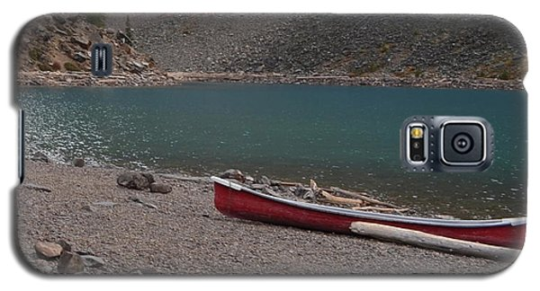 Canoe At Moraine Lake Galaxy S5 Case by Cheryl Miller