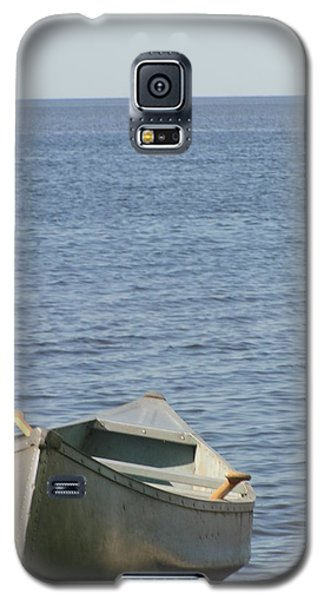 Galaxy S5 Case featuring the photograph Canoe by Tiffany Erdman