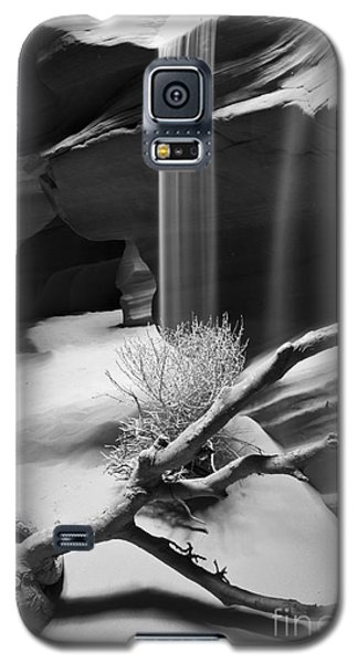Galaxy S5 Case featuring the photograph Canyon Sandfall by Bryan Keil