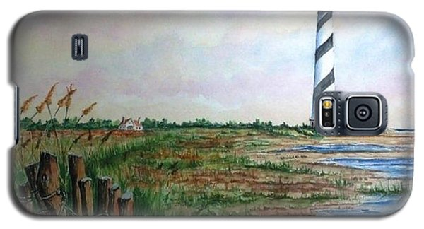 Galaxy S5 Case featuring the painting Cape Hatteras Light Station by Richard Benson