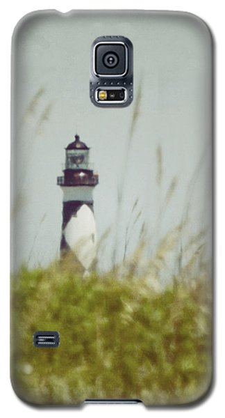 Galaxy S5 Case featuring the photograph Cape Lookout Lighthouse - Vintage by Kerri Farley