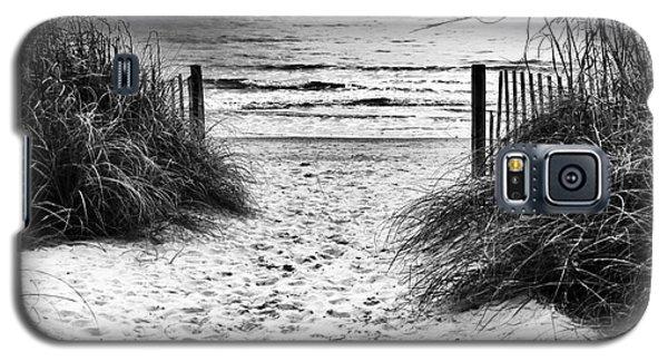 Carolina Beach Entry Galaxy S5 Case by John Rizzuto