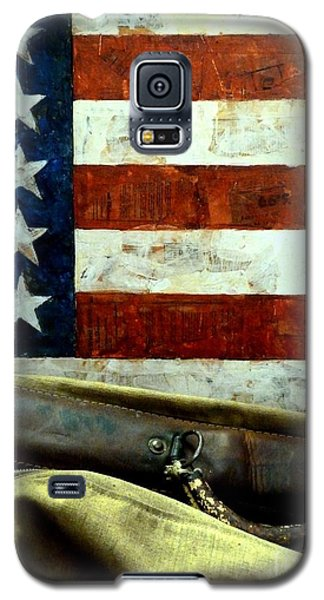 Galaxy S5 Case featuring the photograph Carpetbagger by Newel Hunter