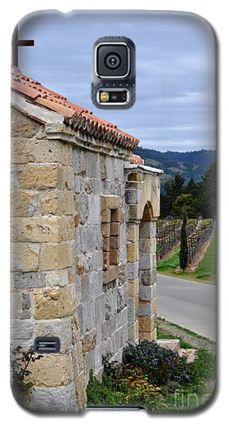 Galaxy S5 Case featuring the photograph Castello Di Amorosa by Gina Savage