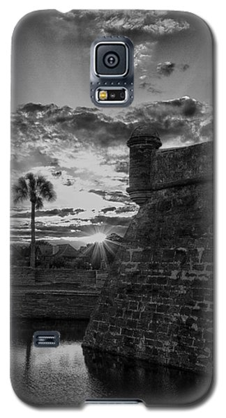 Galaxy S5 Case featuring the photograph Castillo De San Marcos by Kathy Ponce