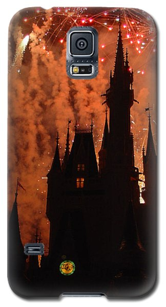 Galaxy S5 Case featuring the photograph Castle Fire Show by David Nicholls