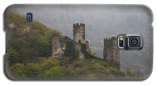 Castle In The Mountains. Galaxy S5 Case by Clare Bambers