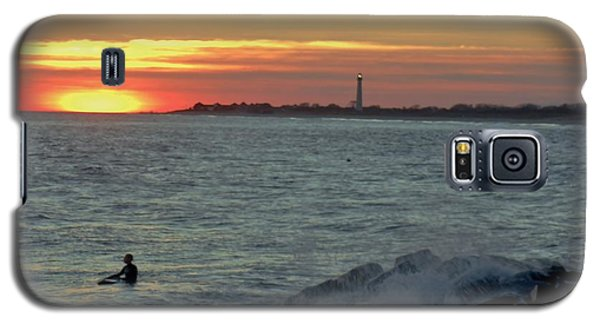 Galaxy S5 Case featuring the photograph Catching A Wave At Sunset by Ed Sweeney