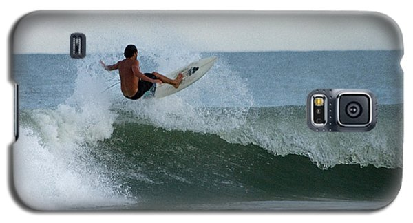 Galaxy S5 Case featuring the photograph Catching Air by Greg Graham