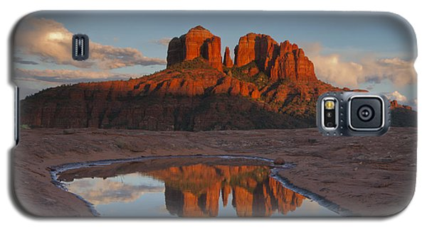 Cathedrals' Reflection Galaxy S5 Case