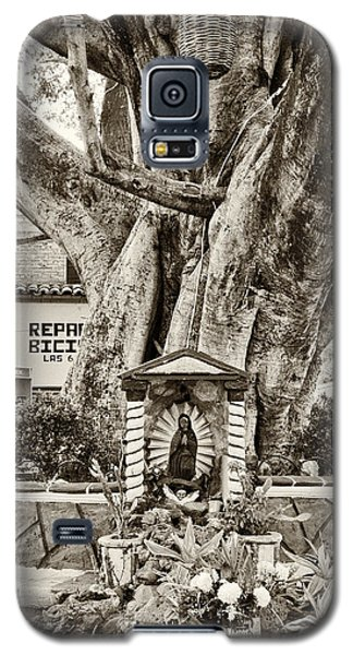 Catholic Shrine - Our Lady Of Guadalupe, Mexico - Travel Photography By David Perry Lawrence Galaxy S5 Case by David Perry Lawrence