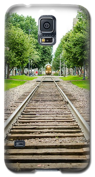 Cedar Rapids Train Coming Down The Tracks Galaxy S5 Case