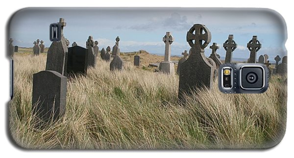 Galaxy S5 Case featuring the photograph Celtic Crosses Aran Island Cemetary by Melinda Saminski