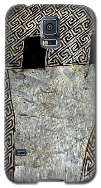 Galaxy S5 Case featuring the photograph Celtic Way by Robert Riordan