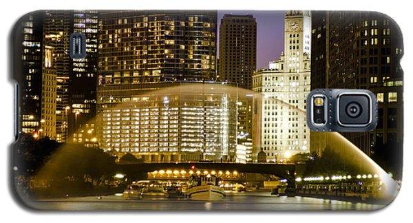 Centennial Fountain Over Chicago River At Dusk Galaxy S5 Case