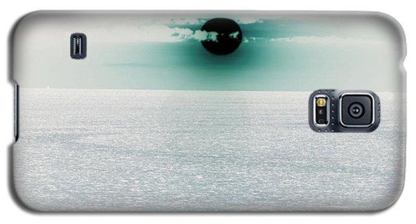 Galaxy S5 Case featuring the photograph Center Sun by Joy Angeloff