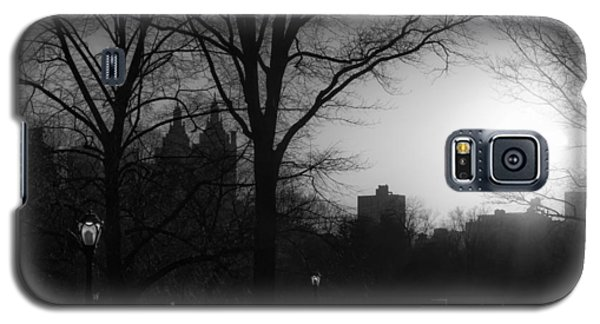Central Park Sunset In Black And White 3 Galaxy S5 Case by Marianne Campolongo