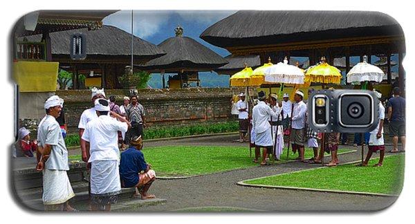Ceremony Gathering At Beratan Bali Galaxy S5 Case