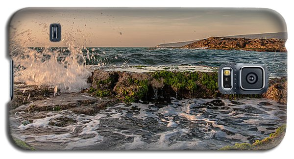 Galaxy S5 Case featuring the photograph Champagne Splashes by Sergey Simanovsky