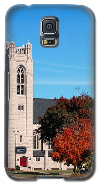 Galaxy S5 Case featuring the photograph Chapel At The College Of The Ozarks by Lena Wilhite