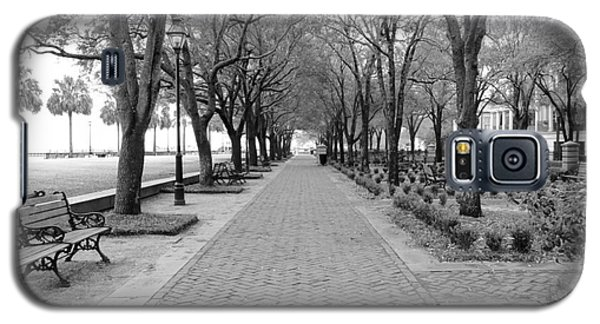 Charleston Waterfront Park Walkway - Black And White Galaxy S5 Case
