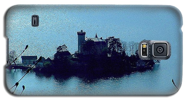 Galaxy S5 Case featuring the photograph Chateau Sur Lac by Marc Philippe Joly