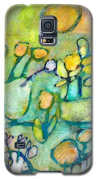 Galaxy S5 Case featuring the mixed media Cheerful Garden by Catherine Redmayne