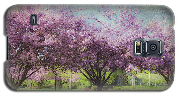 Cheery Cherry Trees - Nostalgic Galaxy S5 Case