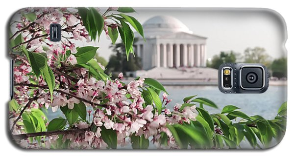 Galaxy S5 Case featuring the photograph Cherry Blossoms And The Jefferson Memorial 2 by Mitchell R Grosky