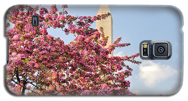 Cherry Trees And Washington Monument One Galaxy S5 Case by Mitchell R Grosky