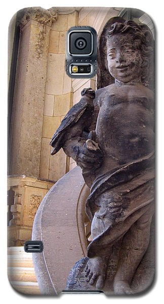 Galaxy S5 Case featuring the photograph Cherub At The Entrance Of Zwinger Palace - Dresden Germany by Jordan Blackstone
