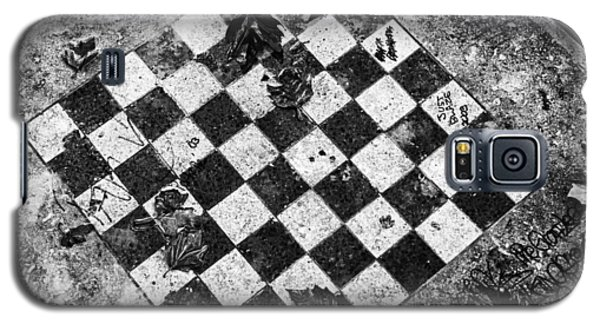 Galaxy S5 Case featuring the photograph Chess Table In Rain by Dave Beckerman