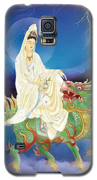 Galaxy S5 Case featuring the photograph Chi Lin Kuan Yin by Lanjee Chee