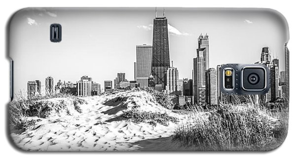 Chicago Beach And Skyline Black And White Photo Galaxy S5 Case by Paul Velgos