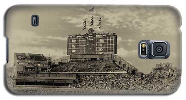 Chicago Cubs Scoreboard In Heirloom Finish Galaxy S5 Case by Thomas Woolworth