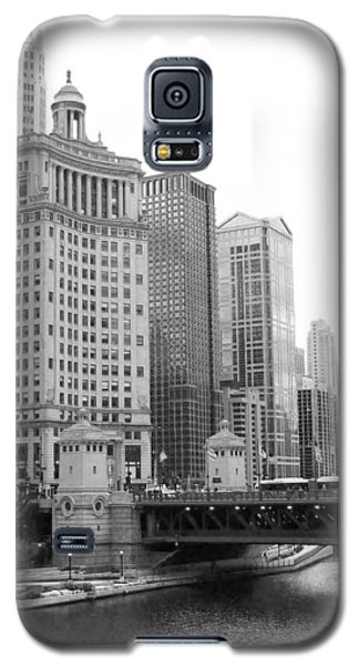 Galaxy S5 Case featuring the photograph Chicago Downtown 2 by Bruce Bley
