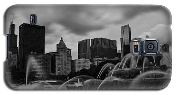 Galaxy S5 Case featuring the photograph Chicago City Skyline by Miguel Winterpacht