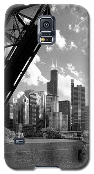Chicago-skyline-raised Bridge Black White Galaxy S5 Case