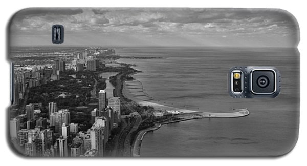 Galaxy S5 Case featuring the photograph Chicago's Lake Front by Jerome Lynch