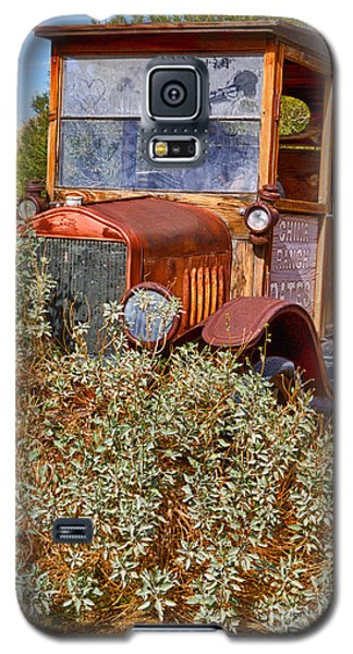 Galaxy S5 Case featuring the photograph China Ranch Truck by Jerry Fornarotto