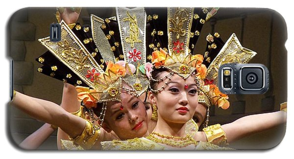 Chinese Dancers Perform Thousand Hands Guan Yin Galaxy S5 Case by Lingfai Leung