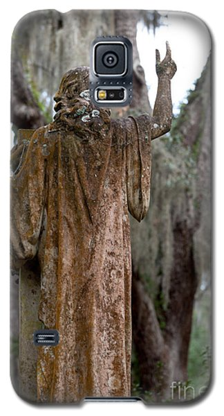Christian Statue With Finger Pointing Toward Heaven Galaxy S5 Case