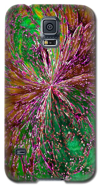 Galaxy S5 Case featuring the digital art Christmas Angel by Paula Ayers