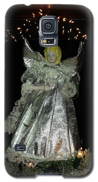 Galaxy S5 Case featuring the photograph Christmas Angel by Peg Toliver