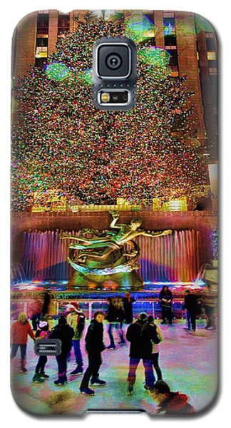 Galaxy S5 Case featuring the photograph Christmas At The Rock by Chris Lord