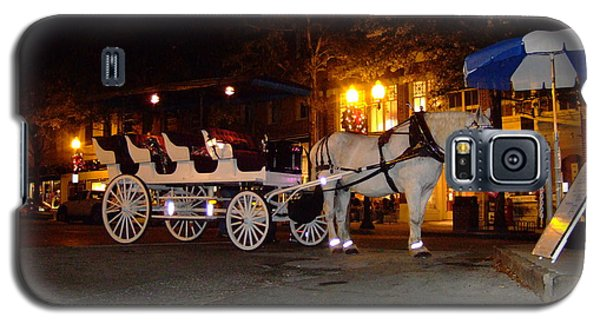 Galaxy S5 Case featuring the photograph Christmas Carriage by Bob Sample