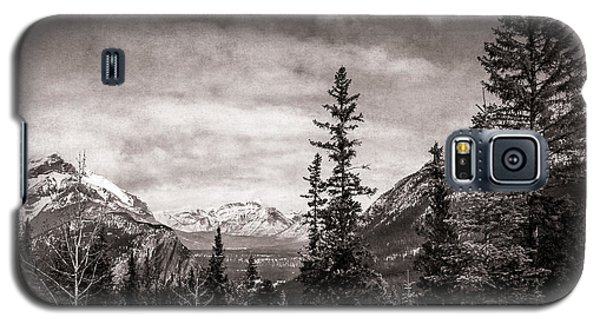 Christmas Day In Banff Bw Galaxy S5 Case