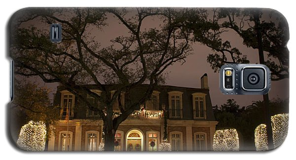 Galaxy S5 Case featuring the photograph Christmas Lights On St Charles Avenue by Ray Devlin
